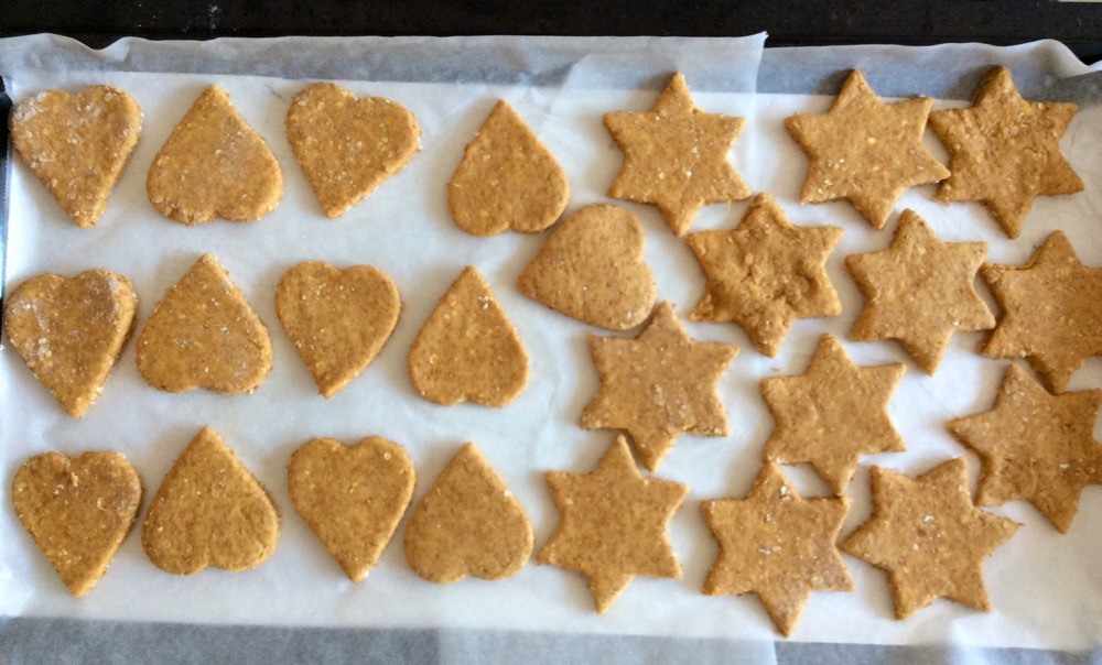 Happy dogs with these DOG cookies!